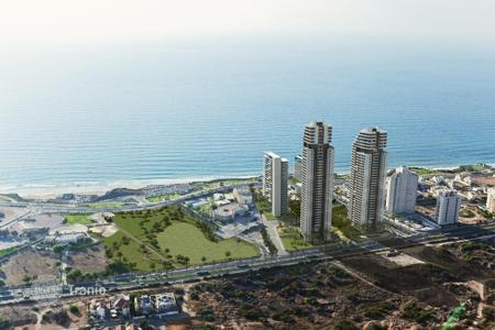 Property for sale in Center District. Apartments in a luxury complex on the first line, 300 meters from the sea in Netanya, Israel