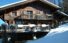 Luxury 5 bedroom houses for sale in Megeve. Charming chalet