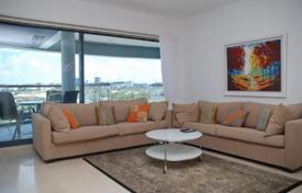 2 bedroom apartments for sale in Israel. Seaview apartment with a parking in a luxurious residence with a pool, 30 meters from the beach and the marina, Herzliya, Israel