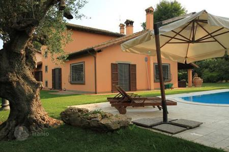 Houses with pools for sale in Lazio. Villa – Rome, Lazio, Italy