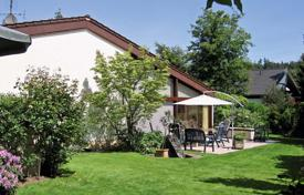 Property for sale in Baden-Wurttemberg. Two-storey house with a garden and a large plot in a quiet area of Baden-Baden