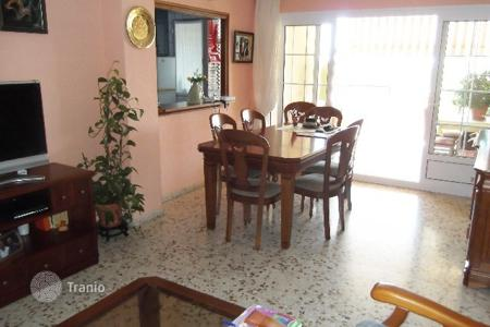 Cheap apartments with pools for sale in La Zenia. Apartment of 3 bedrooms in Orihuela Costa