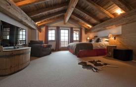 Residential to rent in St. Anton am Arlberg. The chalet with 5 bedrooms and private bathrooms, a living room, a balcony, a hot tub, St Anton, Austria