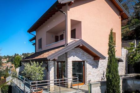 Property for sale in Lombardy. Villa – Lake Como, Lombardy, Italy