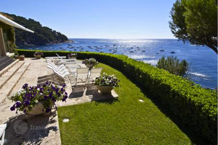 6 bedroom houses for sale in Costa Brava. Villa - Llafranc, Catalonia, Spain