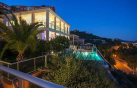 Spacious villa with a private garden, a pool, terraces and a parking, Santa Ponsa, Spain for 2,300,000 €