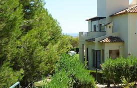 2 bedroom houses for sale in Finestrat. Furnished cottage in a prestigious urbanization, on the coast of the Mediterranean sea, Sierra Cortina, Finestrat