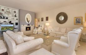 Penthouses for sale in Costa del Sol. Two-level penthouse with stunning sea and mountain views in Marbella, Costa del Sol, Spain