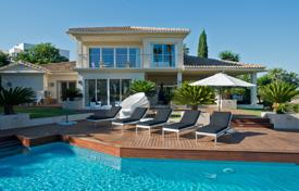 Luxury houses for sale in Costa del Sol. Magnificent Frontline Golf Villa, Los Naranjos Golf, Nueva Andalucia (Marbella)