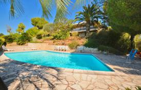 Luxury property for sale in Cagnes-sur-Mer. Villa – Cagnes-sur-Mer, Côte d'Azur (French Riviera), France