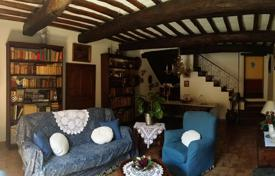 Incredible townhouse in Bevagna, Umbria for 2,600,000 €