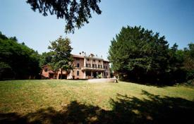 Elite villa with a fountain and a huge plot, Valenza, Alessandria, Italy for 450,000 €