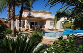 3 bedroom houses by the sea for sale in Costa Blanca. Two-level villa overlooking the sea in La Mata, Alicante, Spain