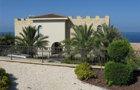 Luxury 3 bedroom houses for sale in Paphos. A fantastic luxury 3-bedroom villa in the much sought after area of Sea Caves