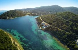 4 bedroom houses by the sea for sale in Croatia. Unique villa on the first line of the sea with a private dock and a swimming pool on the island of Korcula, Croatia
