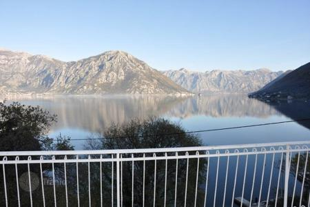 5 bedroom houses by the sea for sale in Kotor. Townhome – Kotor (city), Kotor, Montenegro