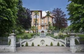 Luxury 6 bedroom houses for sale in Central Europe. Villa – Curio, Ticino, Switzerland