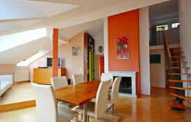 Apartments for sale in Neubau. Three-bedroom apartment with terrace on the roof near the Josef-Strauss park, Vienna