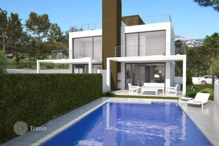 Property for sale in Benimeit. 3 bedroom new semi-detached villa with private pool and garden in Moraira