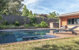 Residential for sale in Cardedeu. Designer house with a swimming pool and a garden in a prestigious area, Cardedeu, Spain