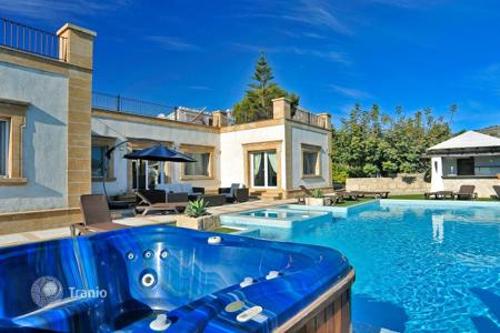 Villas and houses for rent with swimming pools in Javea (Xabia). Detached house – Javea (Xabia), Valencia, Spain