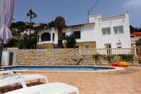 Property for sale in Senija. Villa/ Detached of 4 bedrooms with private pool and views to the mountains in Benissa