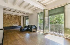 1 bedroom apartments for sale in Catalonia. Light loft with six balconies and views of the surroundings, in a historic building, Barcelona, Spain