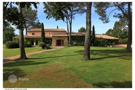 Luxury 2 bedroom houses for sale in France. Villa For Sale in Fayence