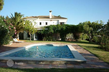 Luxury houses with pools for sale in Barbate. Villa for sale in Zahara de los Atunes, Barbate