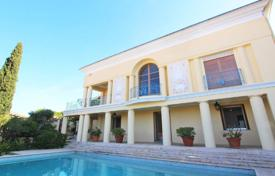 Luxury houses with pools for sale in Provence - Alpes - Cote d'Azur. Art-Deco panoramic seaview villa with a pool in the prestigious district of Mont Boron, Nice, France