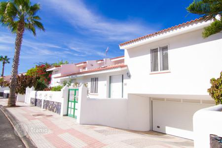 Houses for sale in Guia de Isora. Villa - Guia de Isora, Canary Islands, Spain