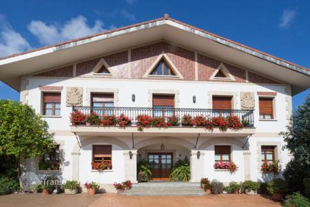 Residential for sale in Basque Country. Spacious house with a garden, Barrika, Spain