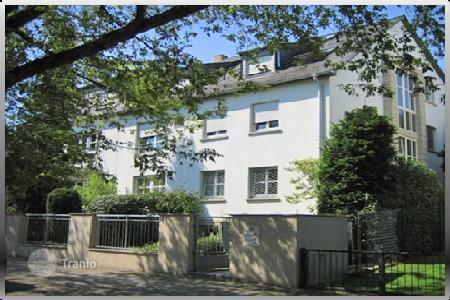 Luxury houses for sale in Germany. Large three-story house with a garden in Frankfurt