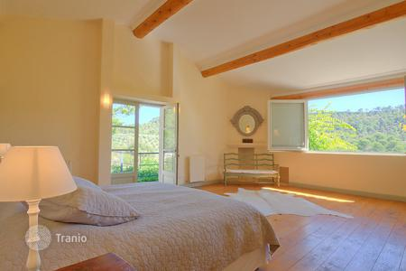 Residential to rent in Grambois. Detached house – Grambois, Provence - Alpes - Cote d'Azur, France