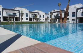 Cheap houses with pools for sale in Costa Blanca. Detached house – Alicante, Valencia, Spain