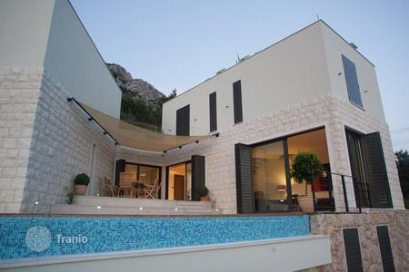 4 bedroom villas and houses by the sea to rent in Croatia. Villa – Omis, Split-Dalmatia County, Croatia