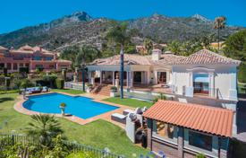 Luxury houses with pools for sale in Andalusia. Stunning villa in the prestigious and gated community of Sierra Blanca