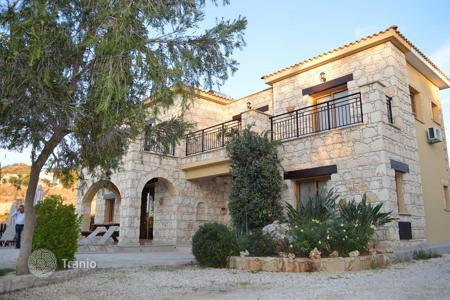 Houses with pools for sale in Argaka. Four Bedroom Detached Villa