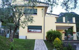 3 bedroom houses for sale in Toscolano Maderno. Villa – Toscolano Maderno, Lombardy, Italy