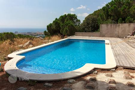 Residential for sale in Mas Ram. Luxury villa in private urbanization Mas-Ram, in Badalona, near all amenities. With fantastic sea and mountains views