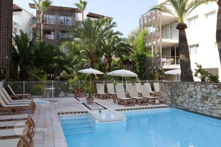 Apartments with pools for sale in Côte d'Azur (French Riviera). Apartment – Antibes, Côte d'Azur (French Riviera), France