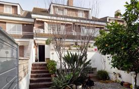 Coastal townhouses for sale in Costa del Garraf. Terraced house – Castelldefels, Catalonia, Spain