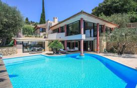 4 bedroom houses for sale in Villefranche-sur-Mer. The villa overlooking the sea in Villefranche-sur-Mer