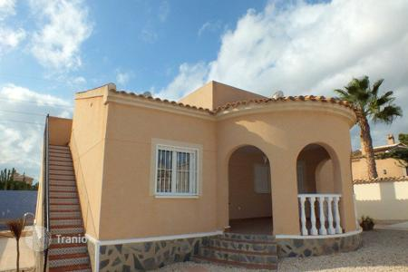 Cheap residential for sale in Benijofar. 3 bedroom villa with private pool and solarium in Atalaya Park (Benijófar)