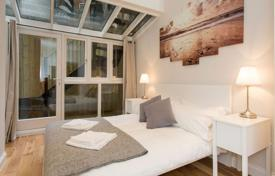 Coastal buy-to-let apartments in England. Apartment – Soho, London, United Kingdom