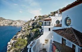 Luxury 6 bedroom houses for sale in Balearic Islands. Luxury villa with a private garden, a pool, a garage and sea views, Port d'Andratx, Spain