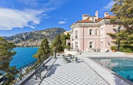 Houses for sale in Roquebrune — Cap Martin. Luxury villa with a pool, a terrace and an exotic garden, on the first line from the sea, Roquebrune-Cap-Martin, French Riviera, France