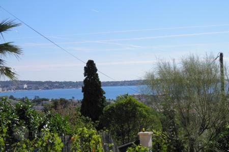 Land for sale in Western Europe. Golfe Juan — land of 500 m² for sale — SEA VIEW