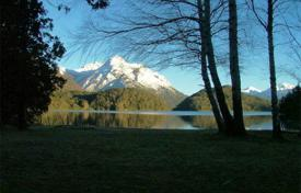Residential for sale in Rio Negro. The property is located in San Carlos de Bariloche, Province of Río Negro, on the coastline of Lago Moreno
