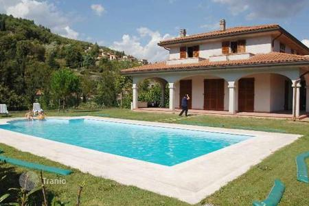 Property for sale in Talla. Villa – Talla, Tuscany, Italy